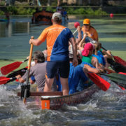 Drakenboot races beheersen waterfestival