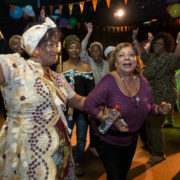Multicultureel eten en dansen